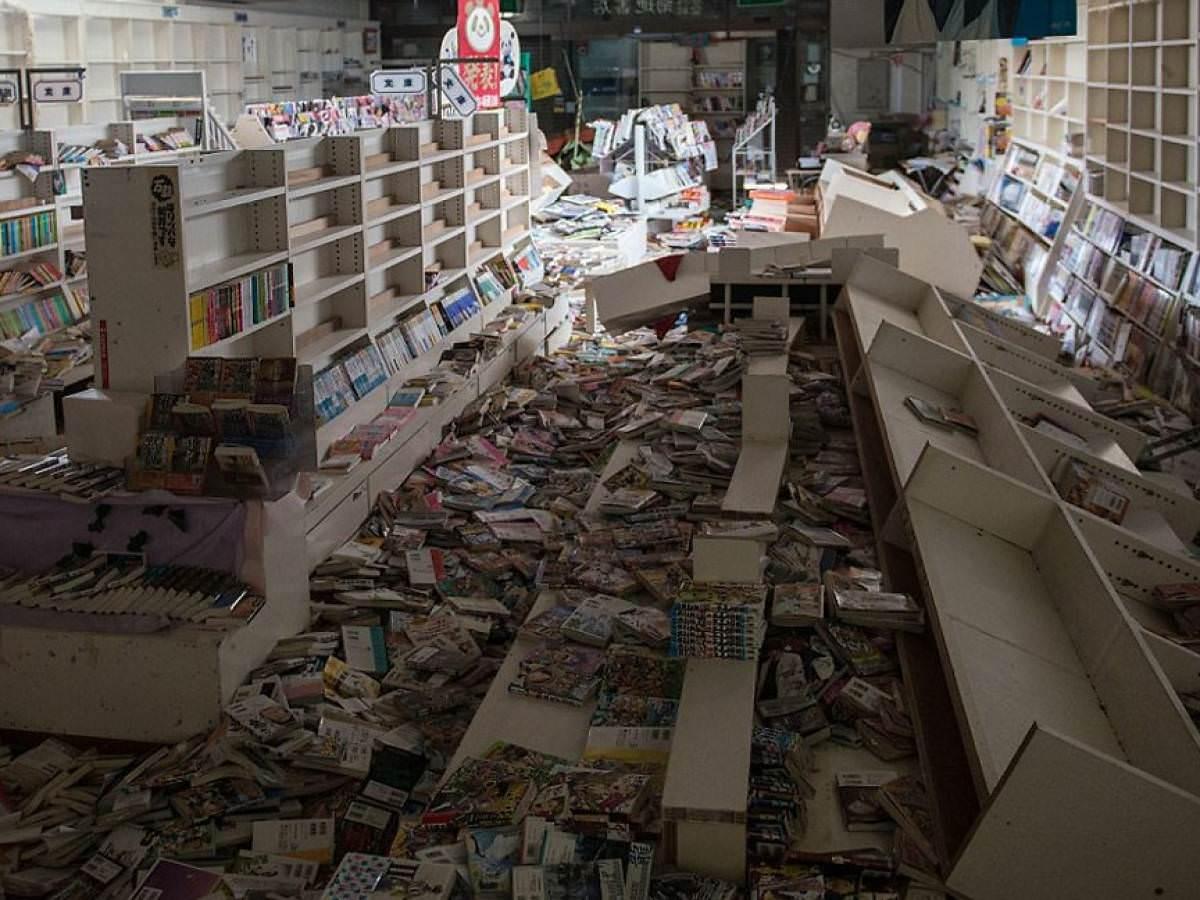 delord-fukushima-walking-dead-nuclear-disaster (4)